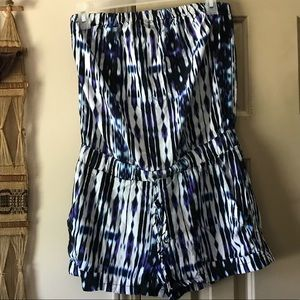Strapless blue white & black romper with pockets